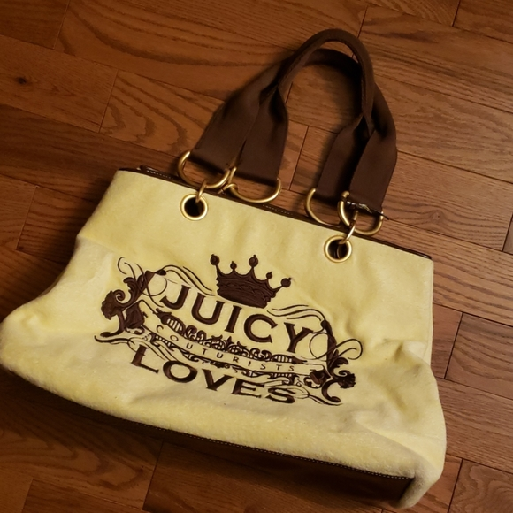 Juicy Couture Handbags - JUICY COUTURISTS LOVES large tote.